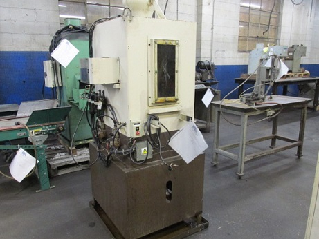 SAKAMURA WASHER PARTS WASHER WITH CONVEYOR AND CONTROL PANEL