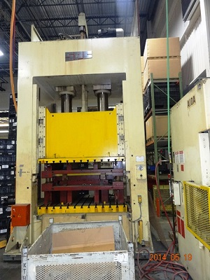 330 Ton SUTHERLAND Mdl# HD300 SPC HYDRAULIC SSDC PRESS