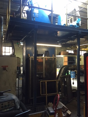 300 TON MACRODYNE HYDRAULIC PRESS, YEAR 2009, 30 x 25 BED, 8 STROKE