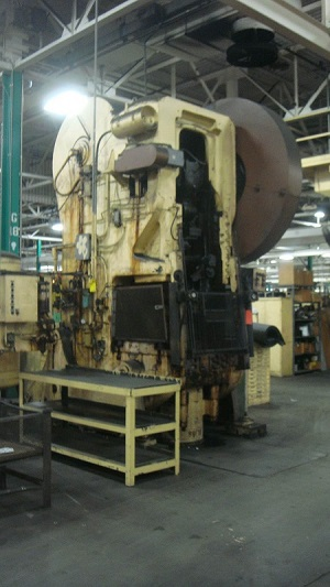 335 Ton CLEARING DOUBLE ACTION HYDRAULIC PRESS