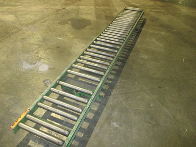 14 x 10' ROLLER CONVEYOR w/ SUPPORT STANDS