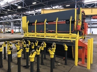 12' x 3/4 CLEVELAND SHEAR WITH ENTRY CONVEYOR AND JIB CRANE