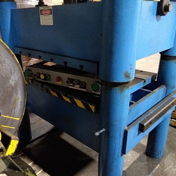 68 TON BECKWOOD 4-Post HYDRAULIC PRESS