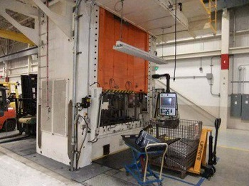 220 ton SCHULER HYDRAULIC PRESS