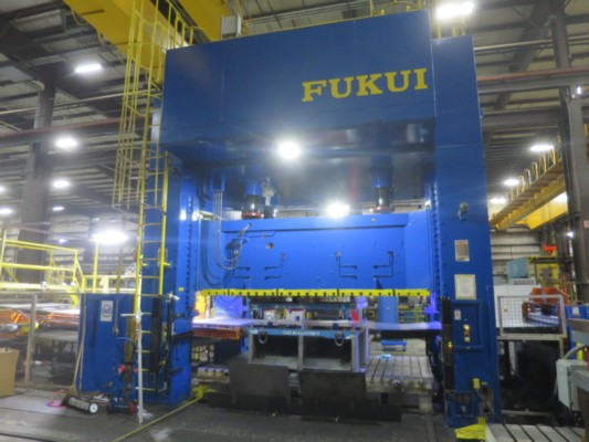 400 TON FUKUI BLANKING LINE WITH FEED LINE AND DUAL STACKER