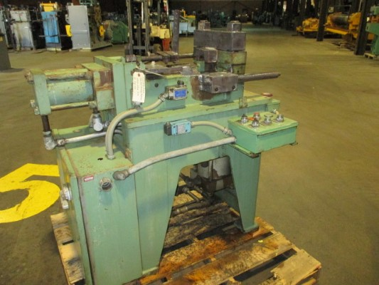 3 FENN MODEL #30-3 HYDRAULIC TUBE END FORMING MACHINE